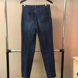 Gloria Vanderbilt jeans. Amanda style